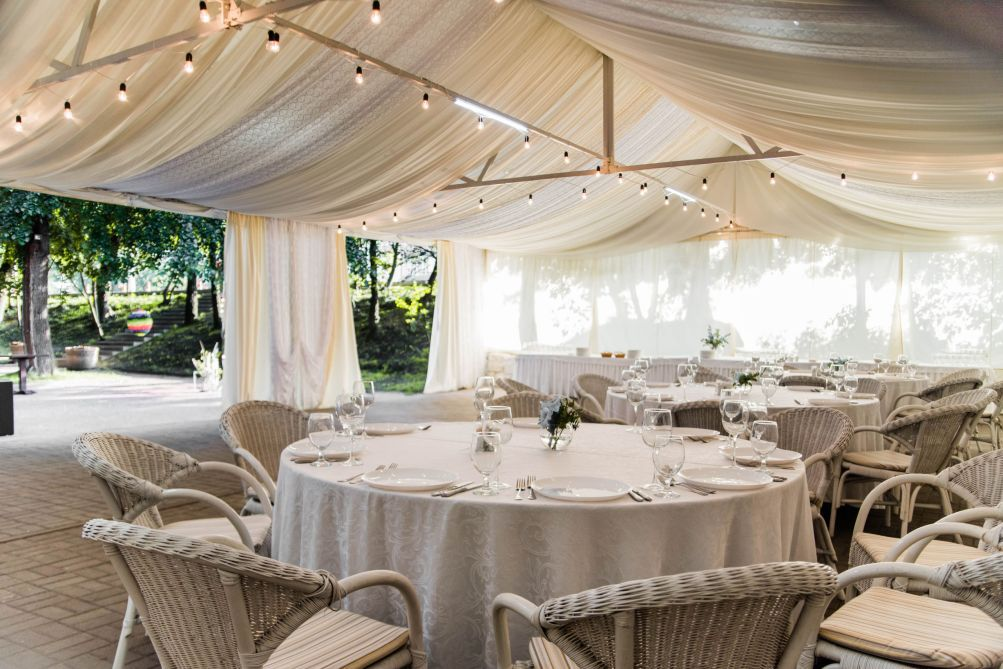Restaurant for a wedding with a summer area